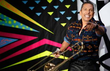 Alberto Barros es compositor, arreglista, trombonista y productor musical.