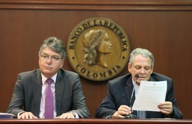 El ministro de Hacienda, Mauricio Cárdenas y el gerente del Banco de la República, Juan José Echavarría.