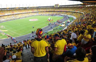 Hinchas en el estadio Metropolitano.