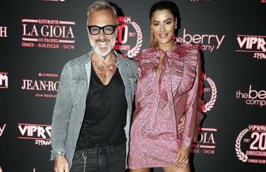 Gianluca Vacchi y su novia Ariadna Gutiérrez.