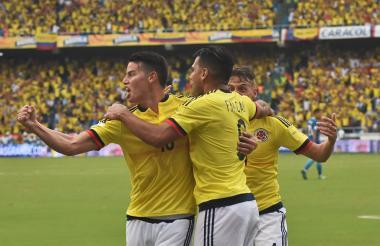 La selección Colombia de fútbol durante su encuentro ante Brasil.
