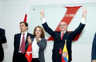 Cuatro aspirantes a la Presidencia se inscribieron en la consulta popular.