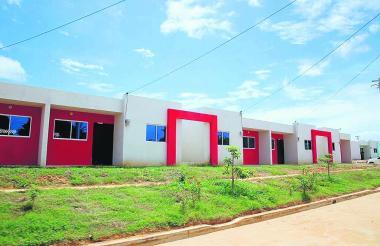 La gestión de la gobernadora Rosa Cotes ha sido crucial para agilizar los proyectos de vivienda.