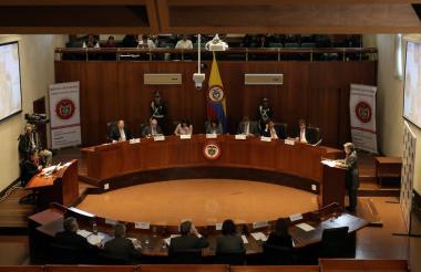 En la Corte constitucional, se llevó a cabo este miércoles la audiencia sobre comisión de la verdad.