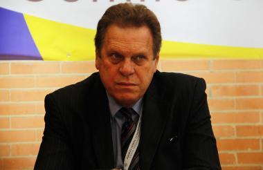 Ramón Jesurun tiene periodo presidencial en la FCF hasta agosto de 2018.
