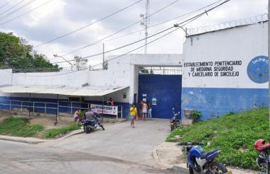 Fachada de la cárcel La Vega en Sincelejo.