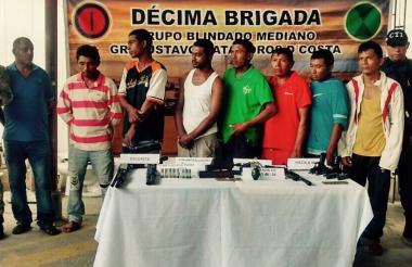 Los ocho capturados por el Ejército y el CTI.