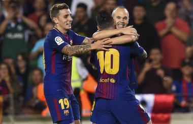 Iniesta celebra su gol.