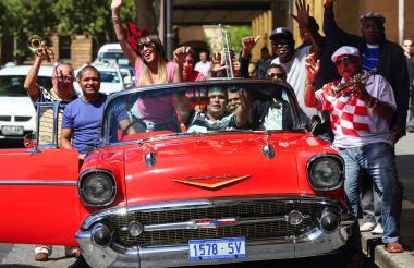 Varios de los miembros de la agrupación cubana.