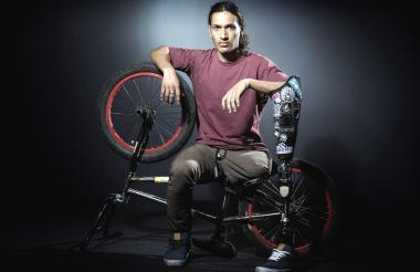 Julián Molina, ciclista antioqueño.