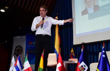 Pablo F. Robledo, director de la SIC, durante su presentación en la Uninorte.