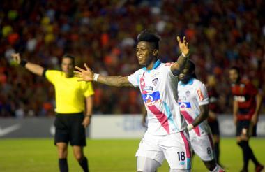 Yony González celebra una de sus anotaciones ante el Sport Recife, por la Copa Sudamericana.