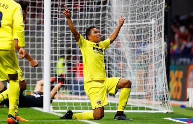 El porteño Carlos Bacca celebra el gol que anotó este sábado ante Atlético.
