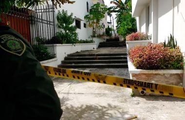 Las autoridades hicieron presencia en el lugar donde fue encontrado González.