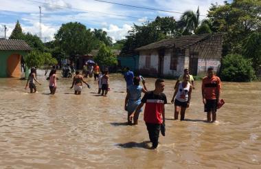 El 60 por ciento de El Retén está inundado, de acuerdo con el reporte de las autoridades del municipio.