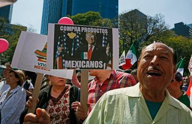 Mexicanos durante una de las marchas contra la política migratoria del presidente Trump