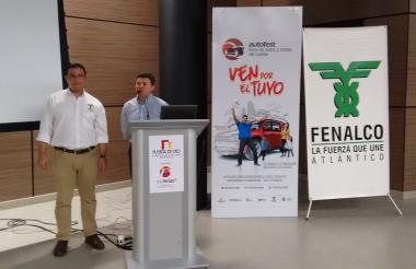 El director de Fenalco, Héctor Carbonell, y el vicepresidente de Corferias, Mario Cajiao.