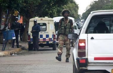 Militares vigilan las calles de la capital del país africano.