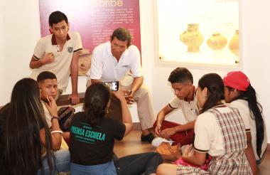 Estudiantes que participaron durante la cátedra de Prensa Escuela Uniautónoma.