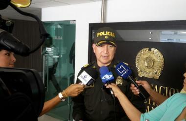El coronel Mauricio Pérez, subcomandante de la Policía Metropolitana de Barranquilla.