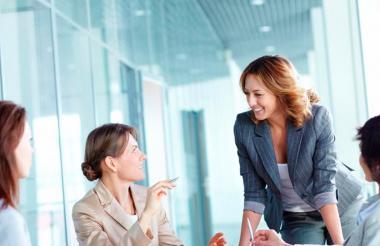 Mujeres en reunión. Imagen de referencia.