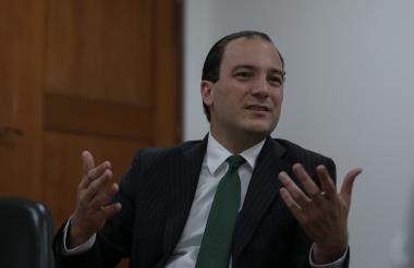 José Miguel Mendoza, Superintendente de Servicios Públicos Domiciliarios.