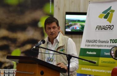 Carlos Chavarro, presidente de Finagro, impulsa modernización del campo.