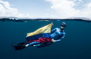 El 5 de julio de 2017 batió el récord mundial en apnea.