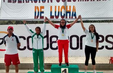 Angie Estarita, en la categoría de los 55 kilogramos, logró la única presea de oro.