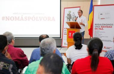 El gobernador Verano durante su discurso.