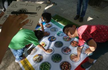 Niños hacen parte de las actividades del zoológico