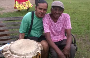 El fallecido Magin Díaz y su hijo Domingo Díaz