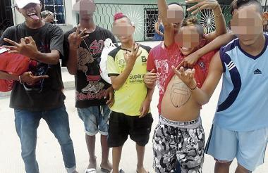 JJ, JP, Tiger, Caremuerto, Tatacuervo y el Chácara de la pandilla 'Los 3D'.