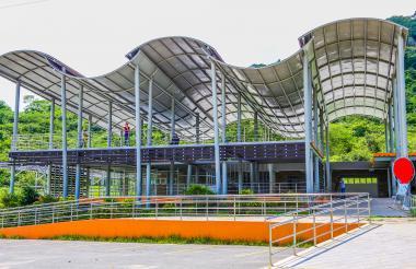 Infraestructura de dos pisos del Parador Turístico de Luruaco.