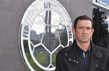 Arturo Reyes en la sede de la Federación Colombiana.
