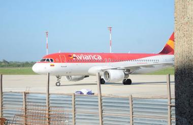 Uno de los aviones llegan al aeropuerto Cortissoz.