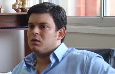 Alejandro Lyons.