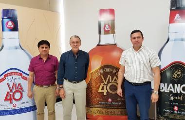 El subsecretario de Rentas, Robinson Pérez; el gobernador Eduardo Verano, y el secretario de Hacienda, Juan Carlos Muñiz.