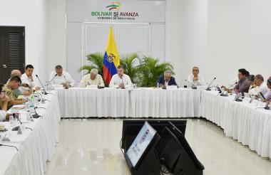 Aspecto de la reunión de la Comisión de Seguimiento y Verificación de la implementación de los Acuerdos de Paz, llevada a cabo este jueves en Turbaco (Bolívar).