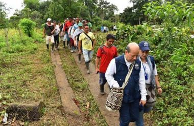 Miembros de la Defensoría del Pueblo en Tumaco.