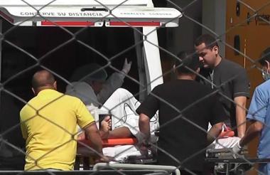 Uno de los heridos cuando ingresaba al Hospital.
