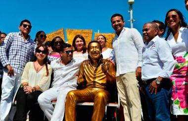 Monumento a Diomedes Díaz el día que fue inaugurado.