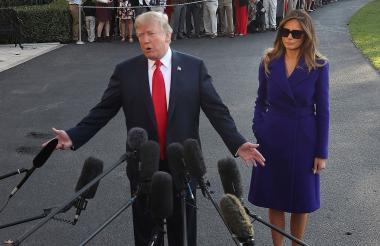 Trump acompañado de su esposa Melania Trump