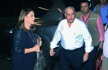 Marta L. Ramírez y Andrés Pastrana durante su encuentro en Barranquilla.