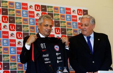 El técnico colombiano Reinaldo Rueda durante su presentación en la selección de Chile.