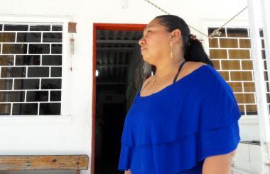 Yolanda Pava es madre de un joven que se encuentra involucrado en los conflictos de pandillas del barrio La Sierrita.
