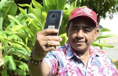 Joaco Guillén asegura que no deja su teléfono ni un segundo.