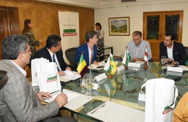 Plinio Olano, presidente de la FND; Carlos Osorio, de Quindío; Luis Pérez, de Antioquia; Eduardo Verano, del Atlántico, y Didier Tabera, de Santander.