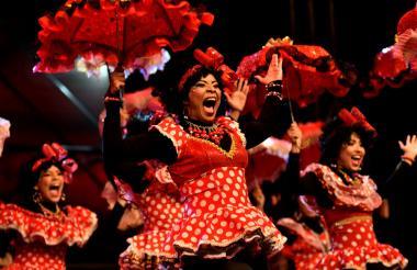 Las Negritas Puloy cautivaron al público al ritmo del fandango y porro.