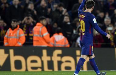 Lionel Messi festeja el gol que le da le da el triunfo al Barcelona.